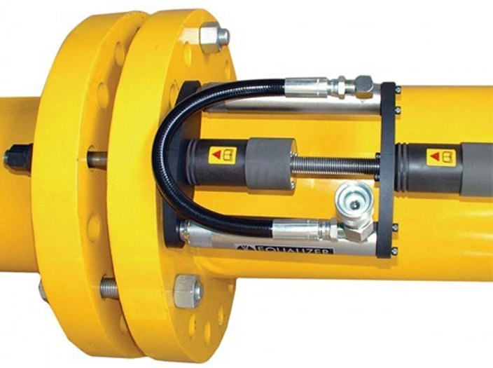 Equalizer International Hydraulic Flange Closing Tool